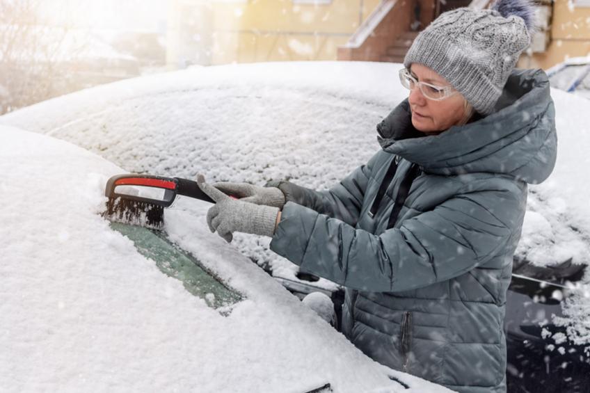 Zimní úklid vozu