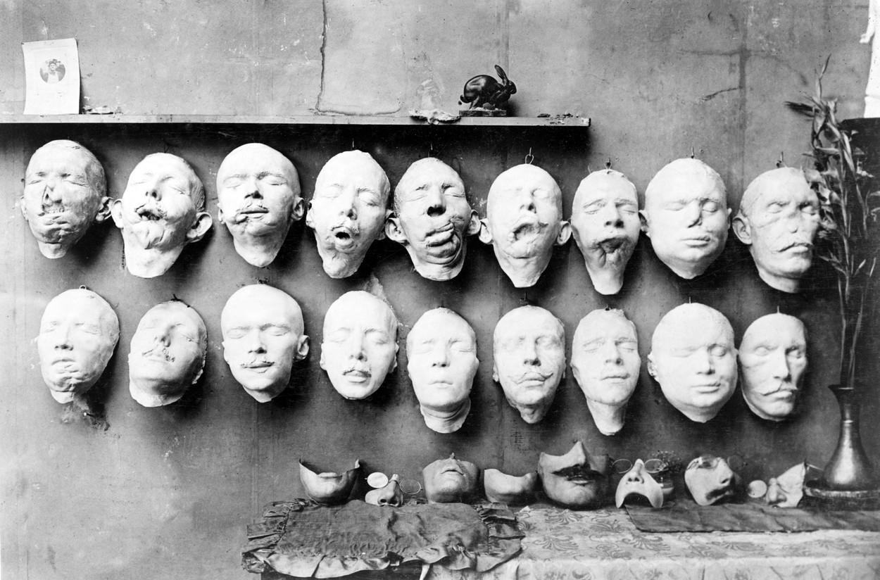 Anna Coleman masky